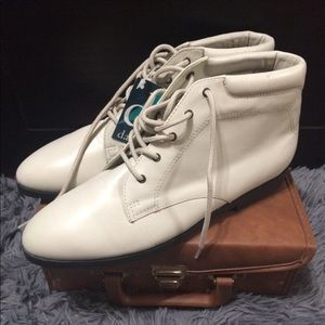 Danexx Vintage White Leather Ankle Boots